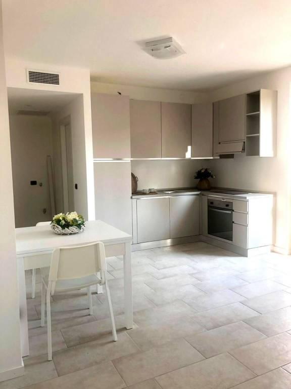 Appartamento in affitto a Travedona-Monate, 1 locali, prezzo € 450 | PortaleAgenzieImmobiliari.it