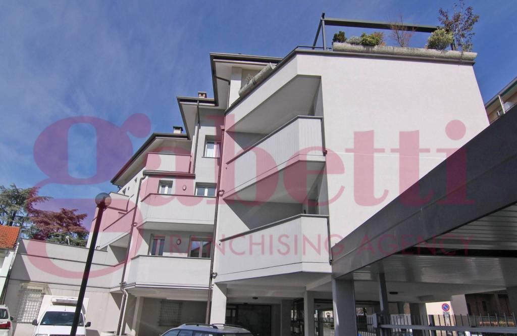 Appartamento in vendita a Busto Arsizio, 3 locali, prezzo € 280.000   CambioCasa.it