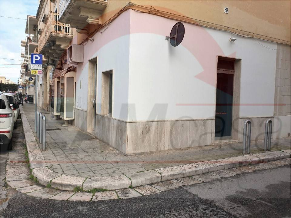 Negozio / Locale in affitto a Monopoli, 1 locali, Trattative riservate | CambioCasa.it