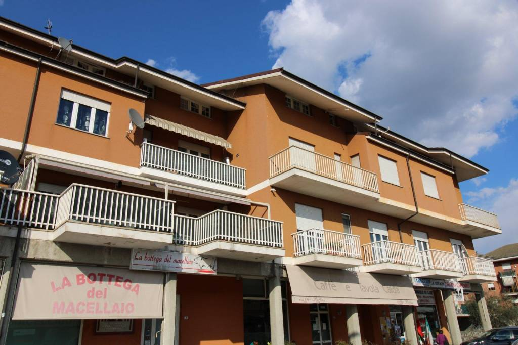 Appartamento in vendita a Castagnito, 4 locali, prezzo € 119.000 | CambioCasa.it