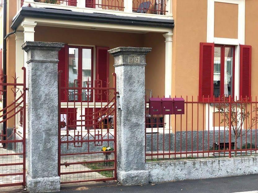 Appartamento in affitto a Laveno-Mombello, 4 locali, prezzo € 750 | PortaleAgenzieImmobiliari.it