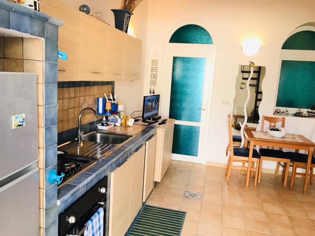 Appartamento in vendita a Ponza, 2 locali, Trattative riservate   CambioCasa.it