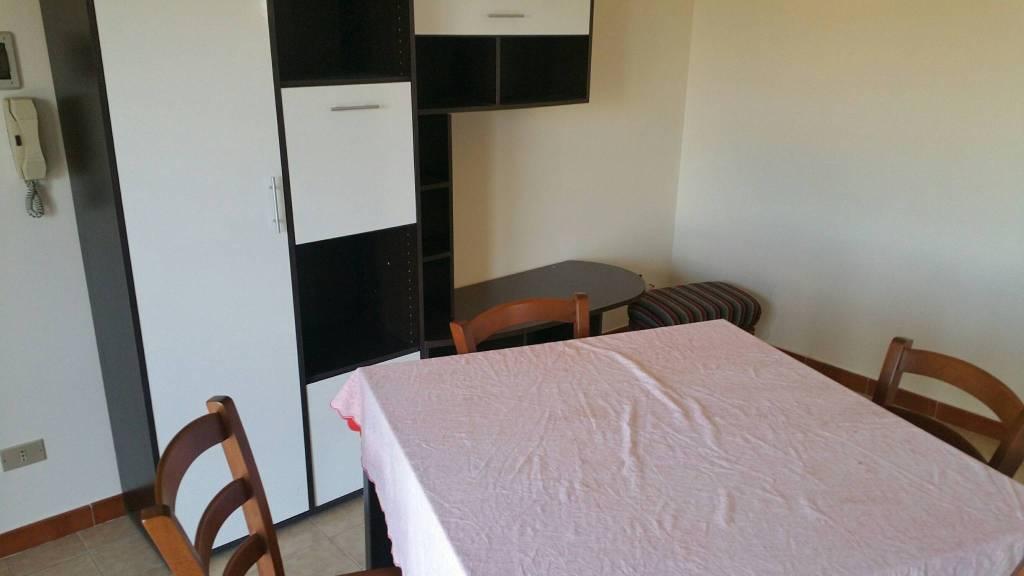 Appartamento in buone condizioni in affitto Rif. 8999927