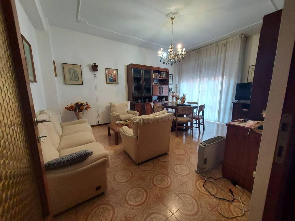 Appartamento in vendita a Pesaro, 4 locali, prezzo € 195.000 | PortaleAgenzieImmobiliari.it