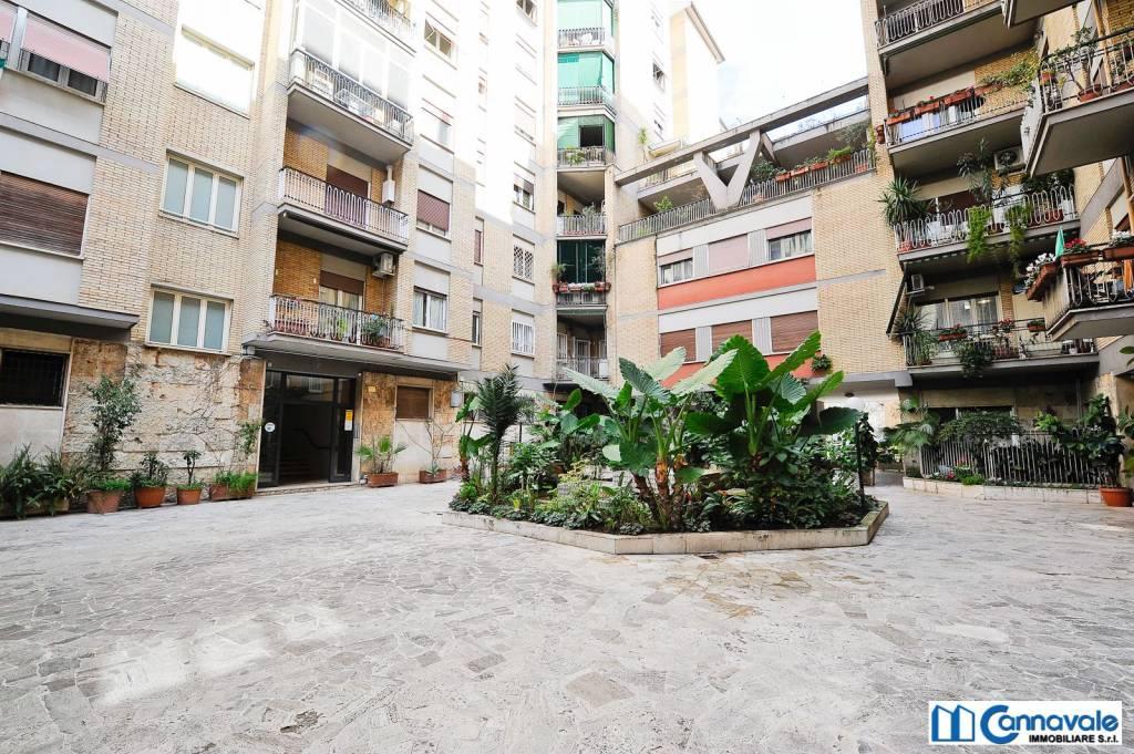 Appartamento in vendita a Roma, 3 locali, zona Zona: 19 . Colombo, Garbatella, Navigatori, Omboni, prezzo € 379.000   CambioCasa.it