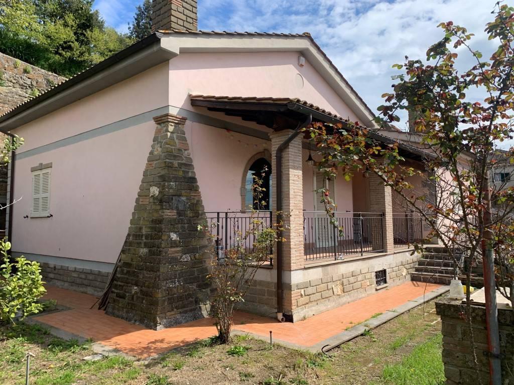 Villa in vendita a Bracciano, 5 locali, prezzo € 297.000   CambioCasa.it