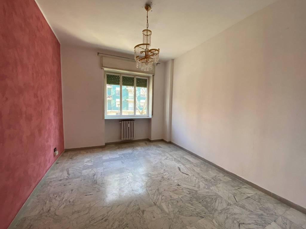 Appartamento in vendita a Beinasco, 4 locali, prezzo € 115.000 | CambioCasa.it