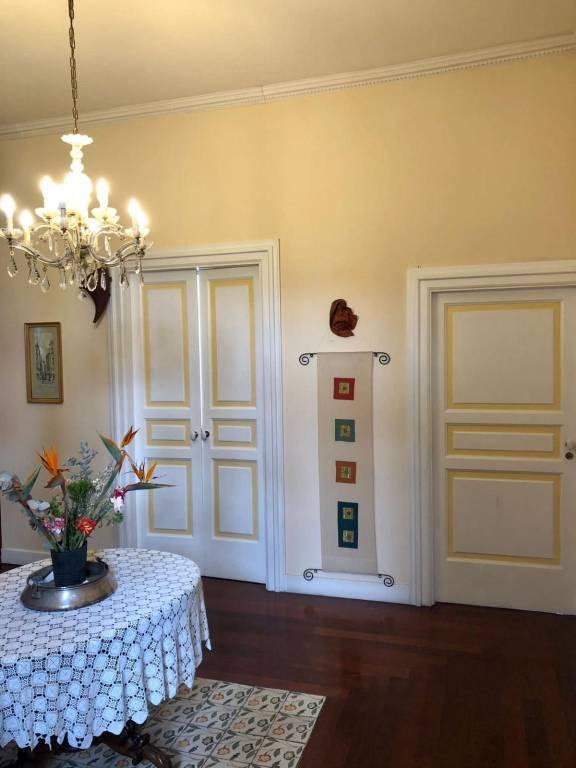 Appartamento in vendita a San Giorgio a Cremano, 5 locali, prezzo € 470.000 | CambioCasa.it