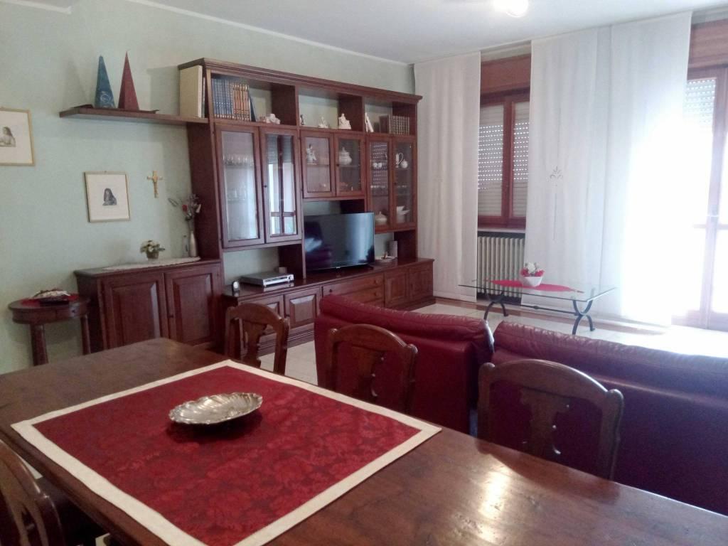 Appartamento in affitto a Zogno, 3 locali, prezzo € 500 | PortaleAgenzieImmobiliari.it