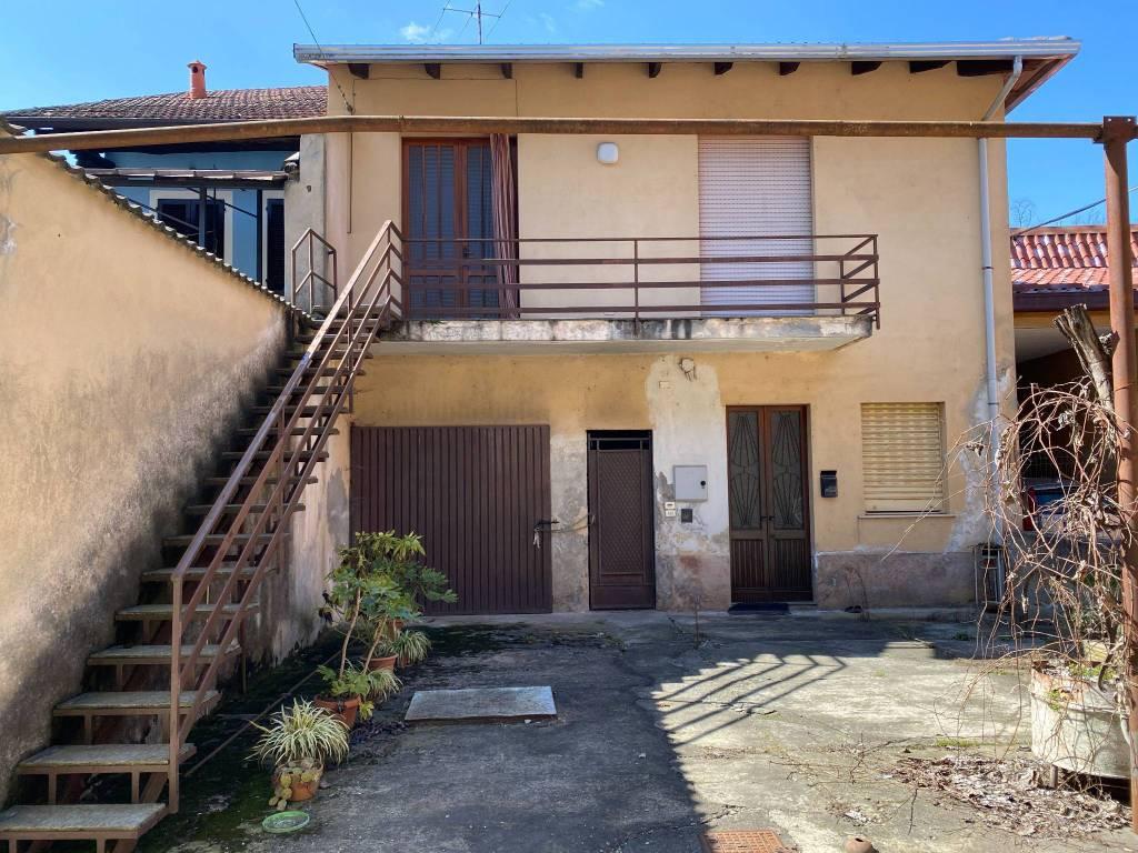 Soluzione Indipendente in vendita a Cavaglio d'Agogna, 2 locali, prezzo € 39.000 | PortaleAgenzieImmobiliari.it