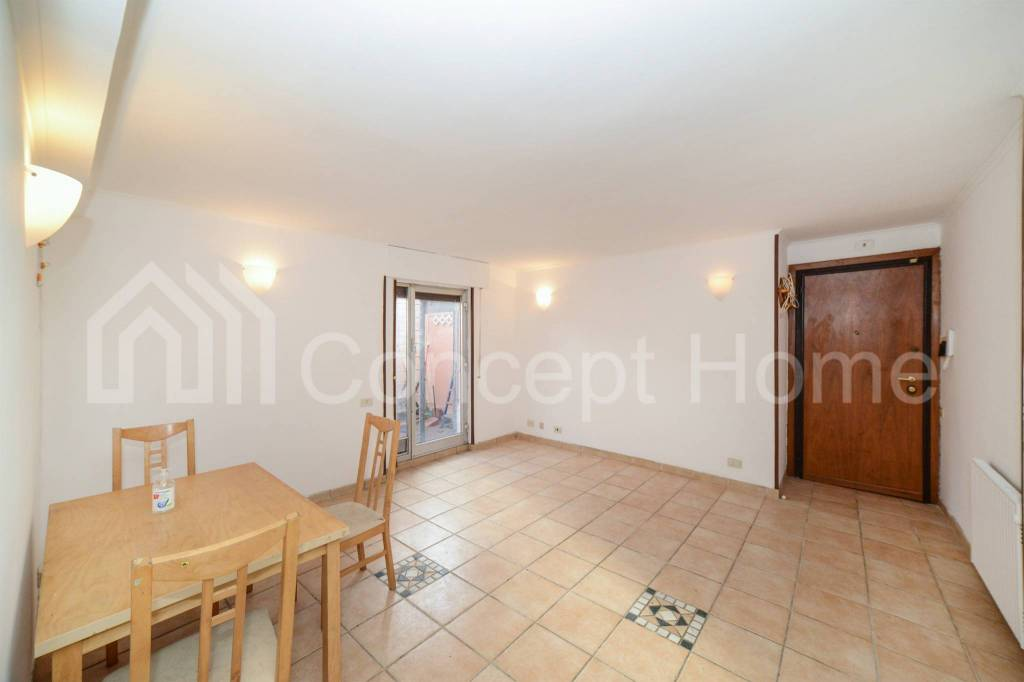 Appartamento in vendita a Roma, 2 locali, zona Zona: 38 . Acilia, Vitinia, Infernetto, Axa, Casal Palocco, Madonnetta, prezzo € 115.000 | CambioCasa.it