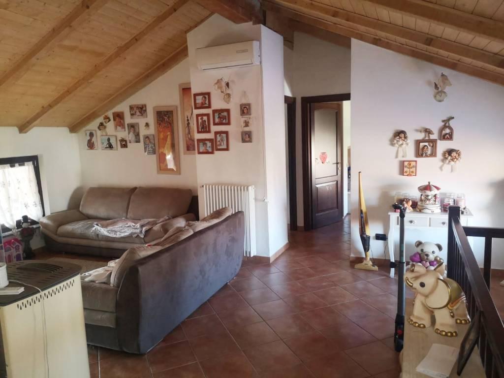 Appartamento in ottime condizioni in affitto Rif. 8935043
