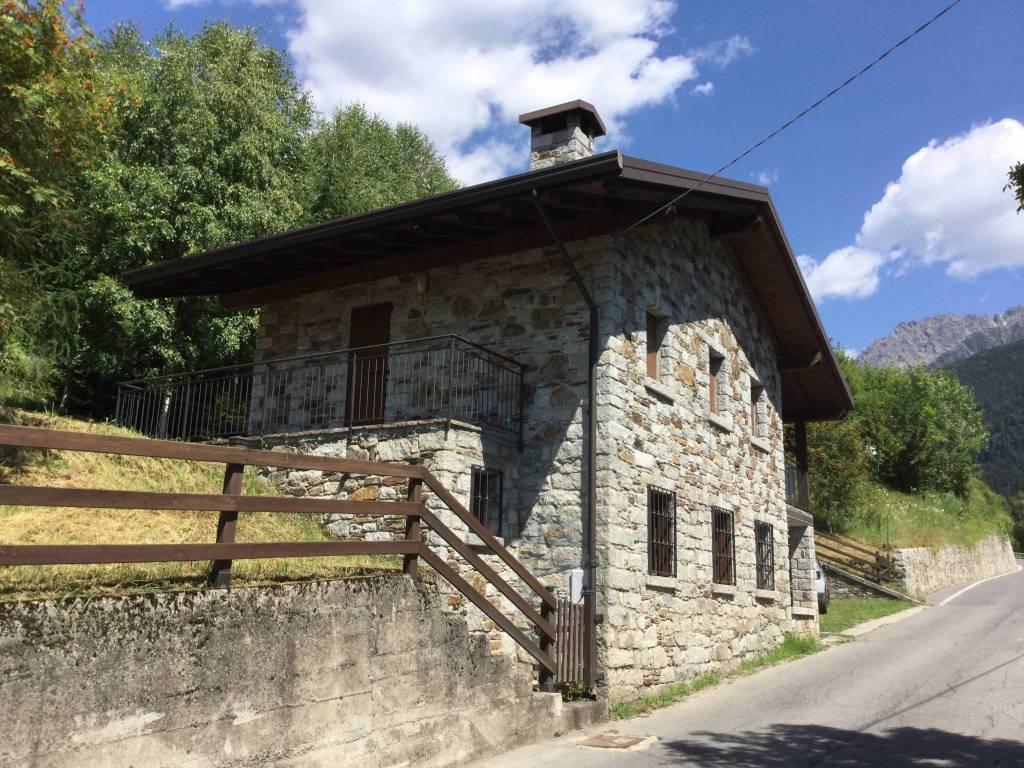 Villa in vendita a Saviore dell'Adamello, 6 locali, prezzo € 199.000 | PortaleAgenzieImmobiliari.it