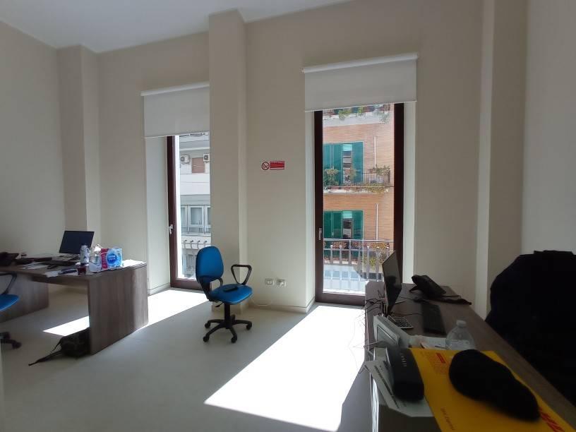 Ufficio / Studio in affitto a Lecce, 5 locali, prezzo € 1.500 | CambioCasa.it