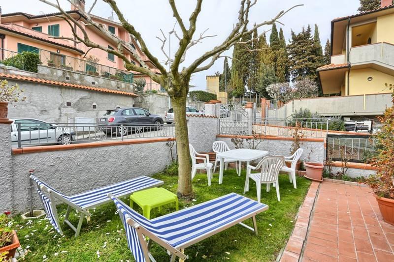 Appartamento in buone condizioni in vendita Rif. 8895922