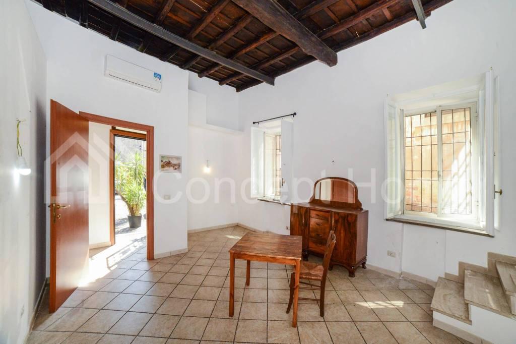 Appartamento in vendita a Roma, 3 locali, zona Zona: 25 . Trastevere - Testaccio, prezzo € 399.000 | CambioCasa.it