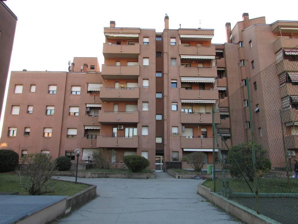 Appartamento in vendita a Desio, 3 locali, prezzo € 98.000 | CambioCasa.it