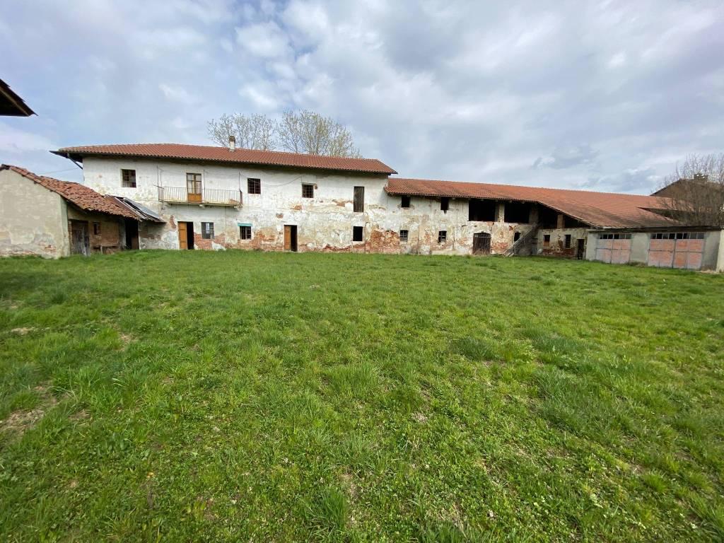 Rustico / Casale in vendita a Riva Presso Chieri, 6 locali, prezzo € 210.000 | PortaleAgenzieImmobiliari.it