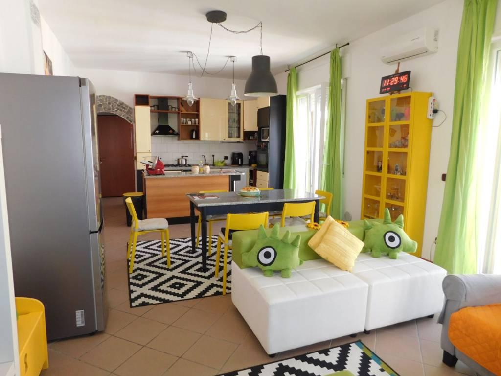 Appartamento in vendita a Cilavegna, 4 locali, prezzo € 100.000   PortaleAgenzieImmobiliari.it