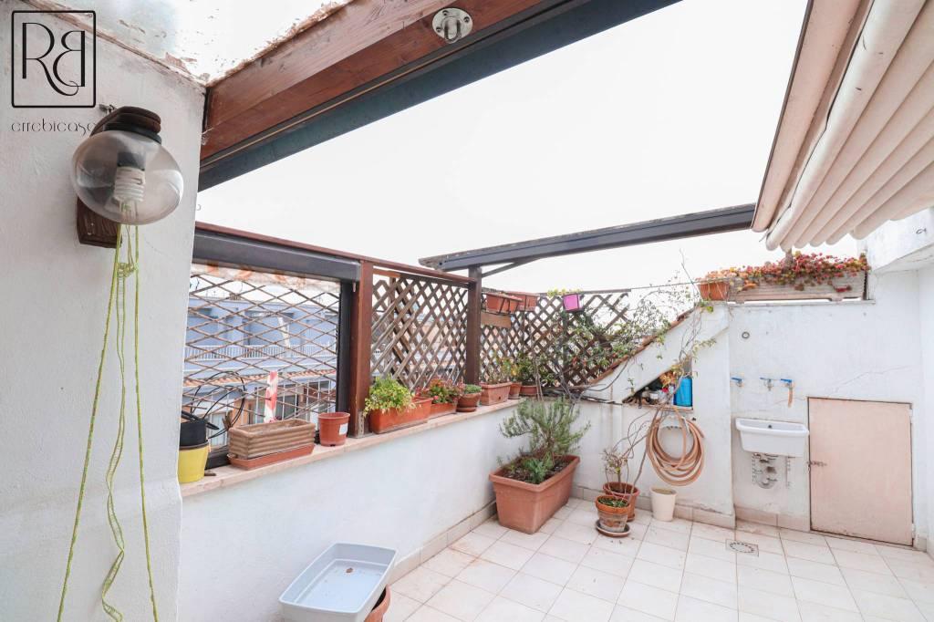 Attico / Mansarda in vendita a Roma, 3 locali, zona Zona: 16 . Appia nuova - Alberone - Colli Albani, prezzo € 255.000 | CambioCasa.it