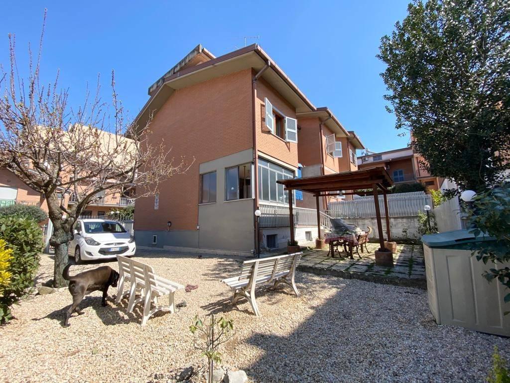 Villa a Schiera in vendita a San Cesareo, 4 locali, prezzo € 249.000   CambioCasa.it