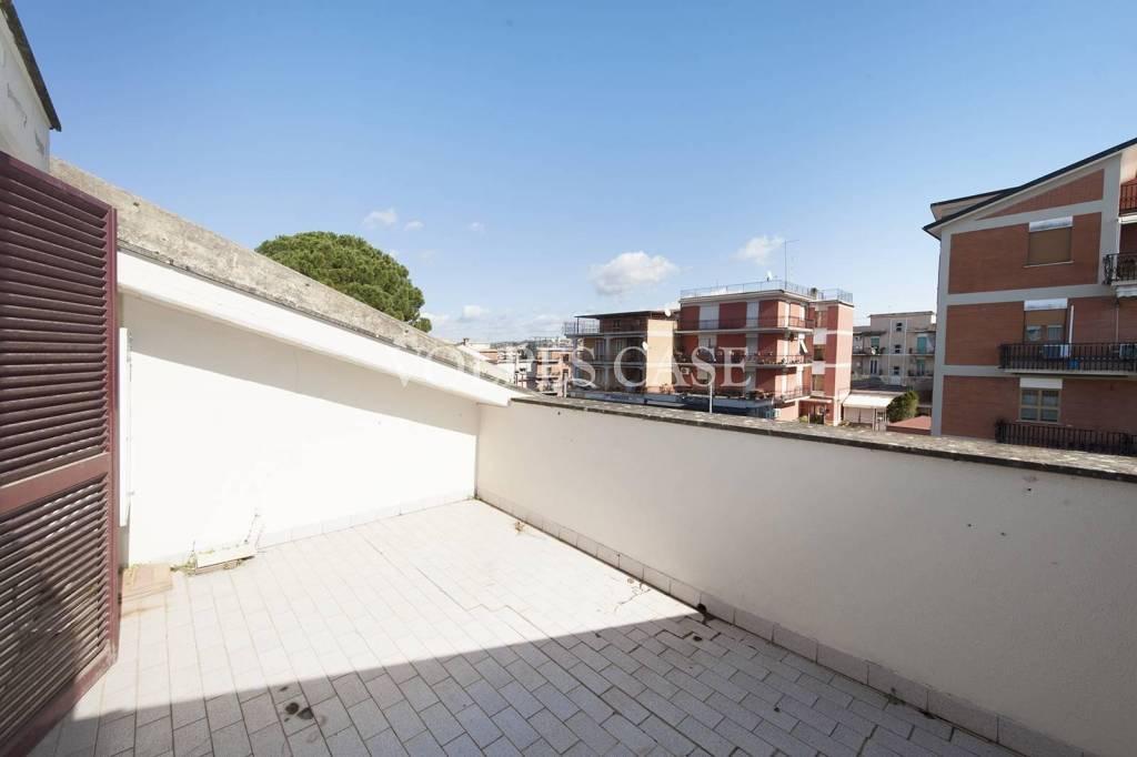 Attico / Mansarda in vendita a Fonte Nuova, 2 locali, prezzo € 120.000   PortaleAgenzieImmobiliari.it