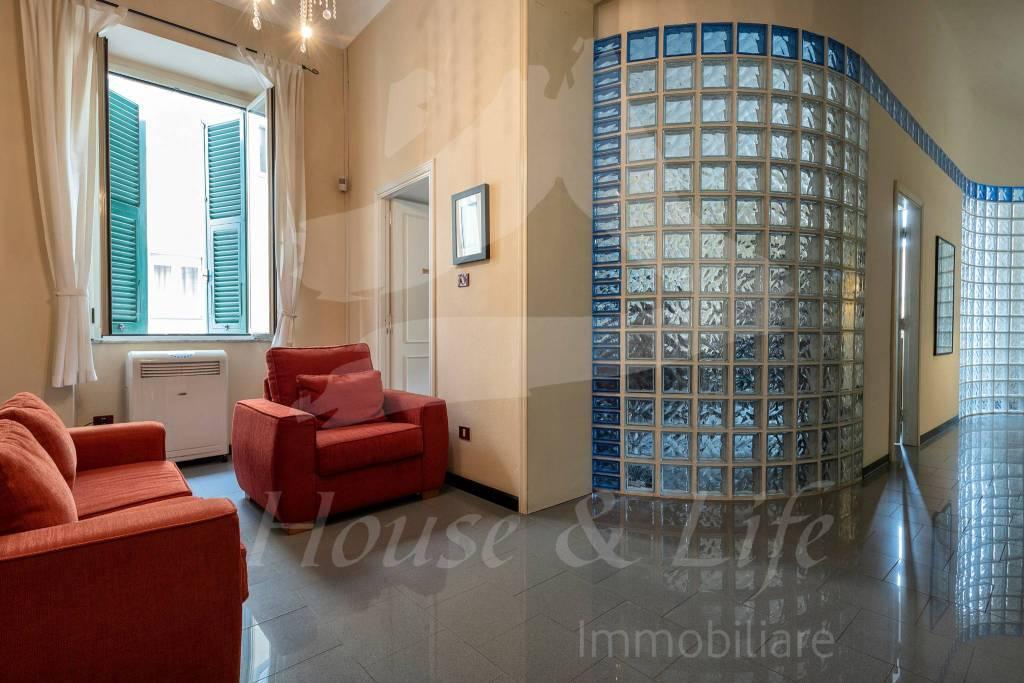 Ufficio / Studio in vendita a Sassari, 4 locali, prezzo € 190.000 | CambioCasa.it