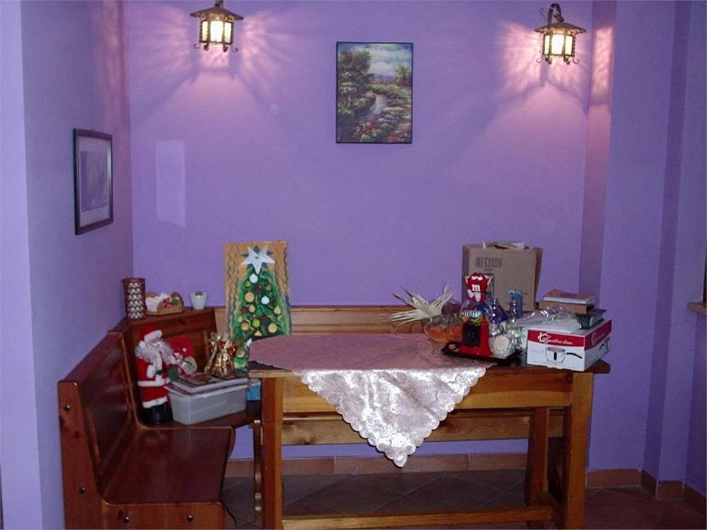 Villetta a schiera in buone condizioni in vendita Rif. 4837126