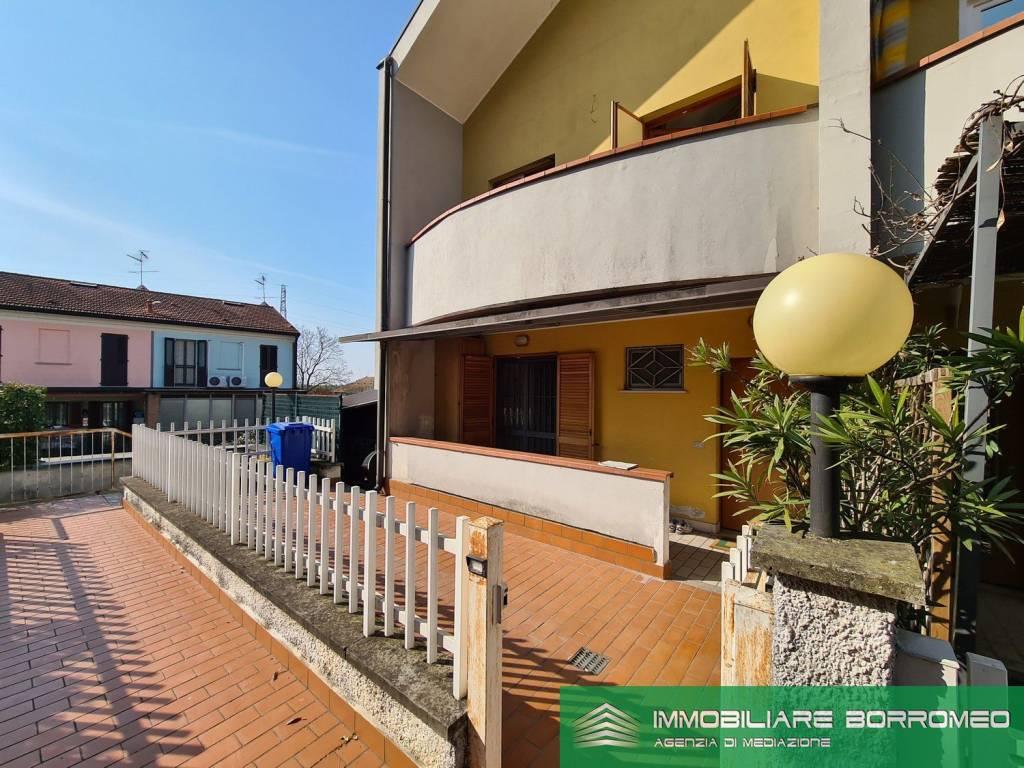 Villa a Schiera in vendita a Mediglia, 5 locali, prezzo € 260.000 | PortaleAgenzieImmobiliari.it