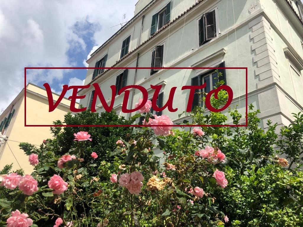 Appartamento in vendita a Velletri, 3 locali, prezzo € 119.000 | CambioCasa.it