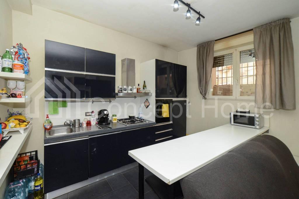 Appartamento in vendita a Roma, 3 locali, zona Zona: 36 . Finocchio, Torre Gaia, Tor Vergata, Borghesiana, prezzo € 79.000 | CambioCasa.it