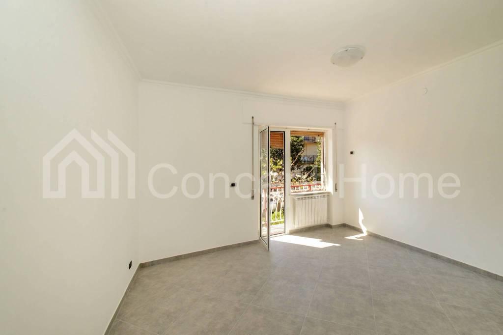 Appartamento in vendita a Roma, 3 locali, zona Zona: 36 . Finocchio, Torre Gaia, Tor Vergata, Borghesiana, prezzo € 130.000 | CambioCasa.it