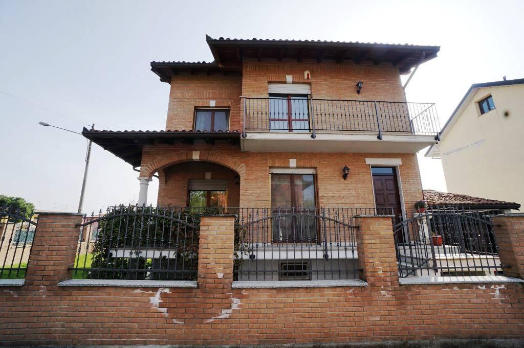 Villa in vendita a Cilavegna, 4 locali, prezzo € 260.000   PortaleAgenzieImmobiliari.it