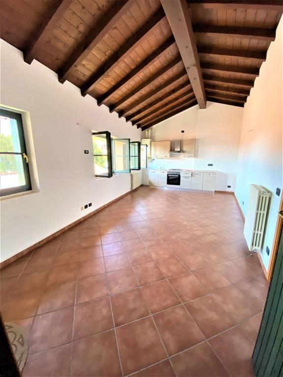 Appartamento in vendita a Albavilla, 3 locali, prezzo € 149.000 | PortaleAgenzieImmobiliari.it