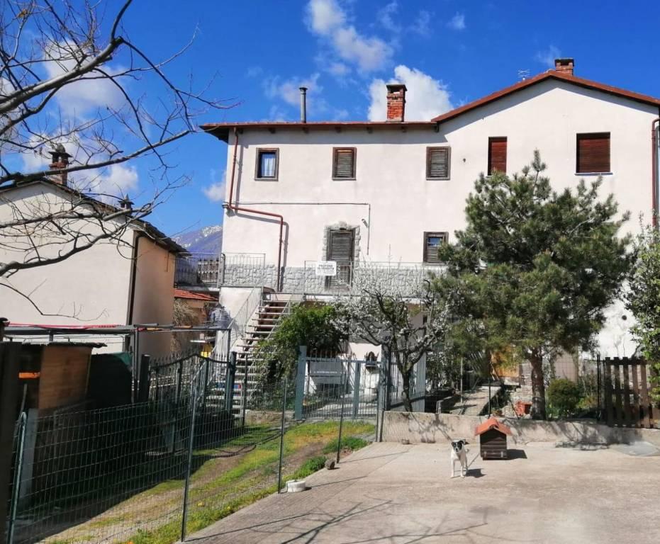 Appartamento in buone condizioni in vendita Rif. 8533141