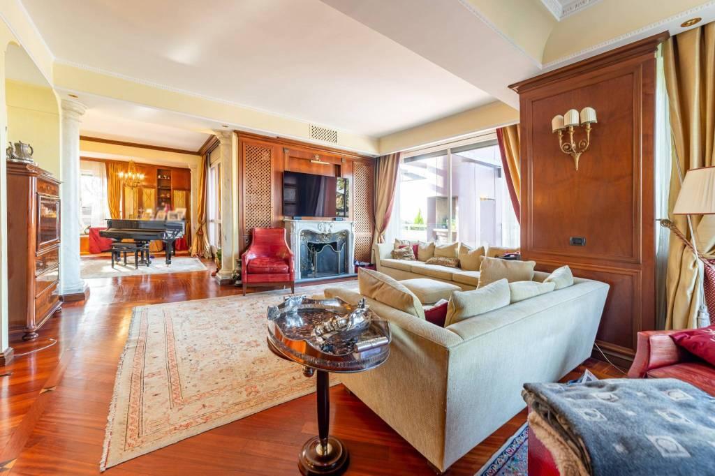 Appartamento in vendita a Segrate, 10 locali, prezzo € 1.950.000 | PortaleAgenzieImmobiliari.it