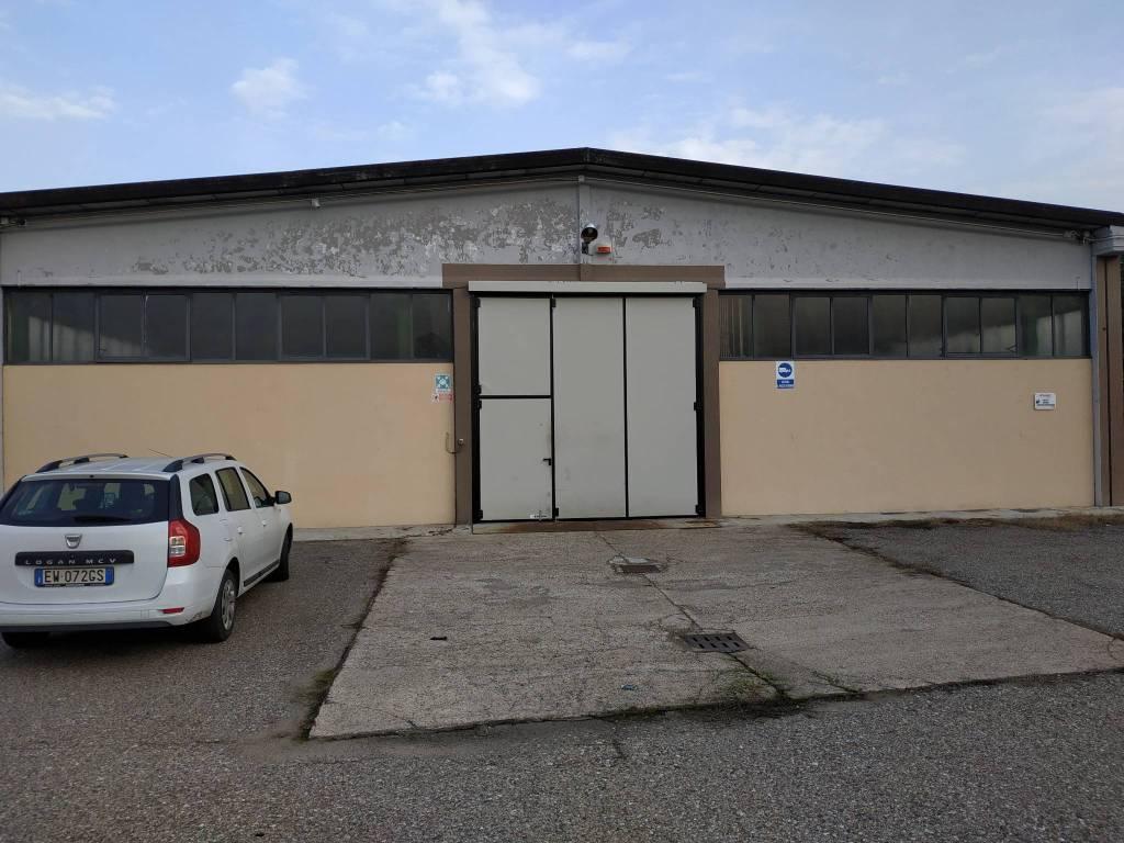 Capannone in vendita a Arluno, 2 locali, Trattative riservate | PortaleAgenzieImmobiliari.it