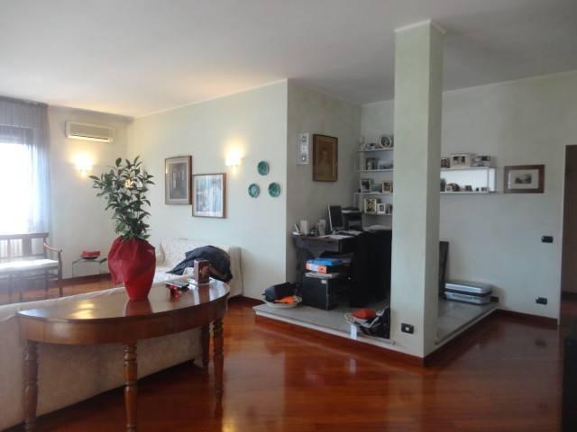 Appartamento in vendita a Alessandria, 5 locali, prezzo € 285.000 | PortaleAgenzieImmobiliari.it