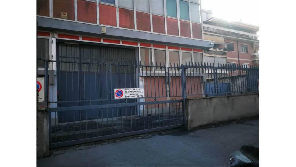 Capannone in affitto a Grugliasco, 5 locali, prezzo € 2.400 | CambioCasa.it
