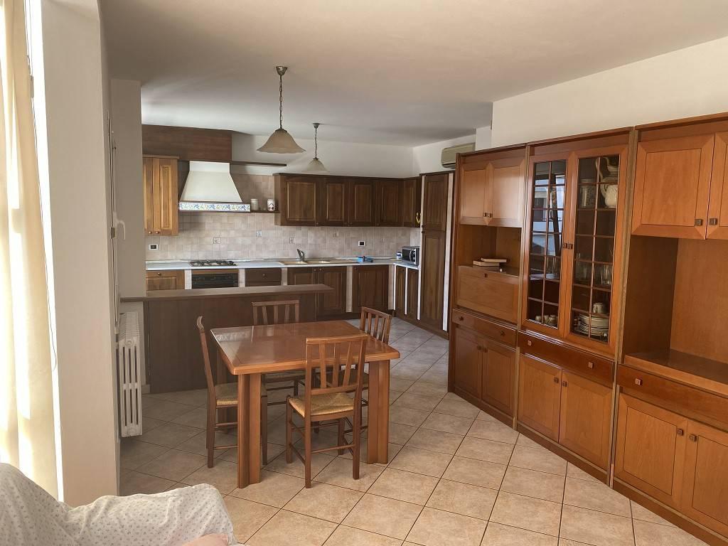 Appartamento in vendita a Viadana, 3 locali, prezzo € 100.000   CambioCasa.it