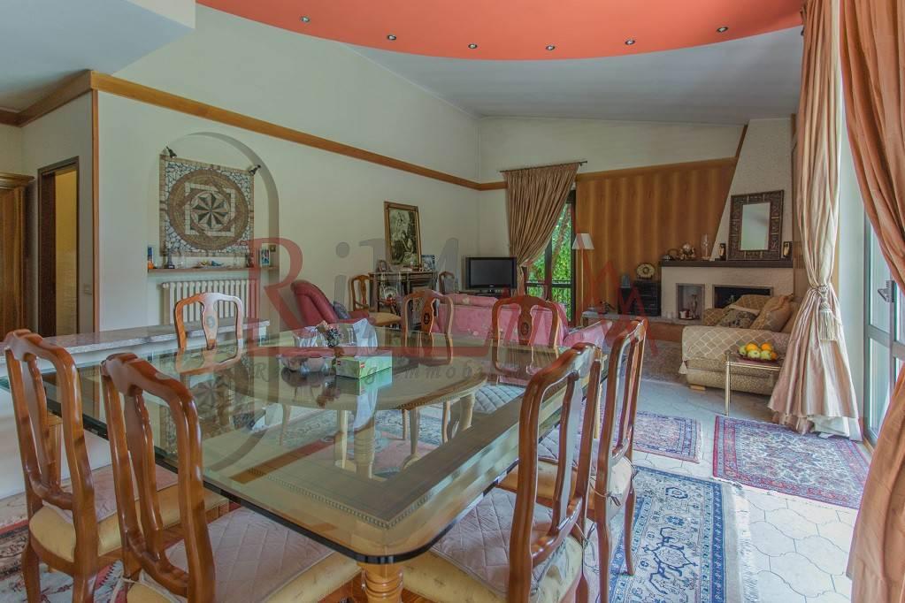 Villa in vendita a Cassina de' Pecchi, 6 locali, prezzo € 700.000   PortaleAgenzieImmobiliari.it
