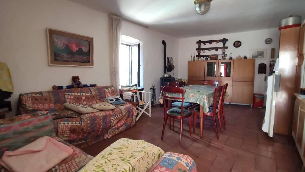 Rustico / Casale in vendita a Gandino, 5 locali, prezzo € 129.000 | PortaleAgenzieImmobiliari.it