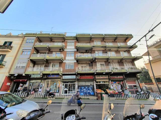 Appartamento in buone condizioni parzialmente arredato in affitto Rif. 6625617