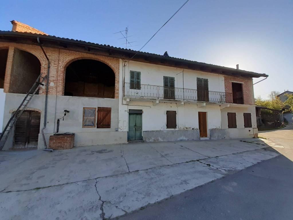 Rustico / Casale in vendita a Viale, 5 locali, prezzo € 65.000 | CambioCasa.it