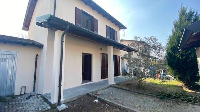 Villa in vendita a Mortara, 4 locali, prezzo € 129.000   CambioCasa.it