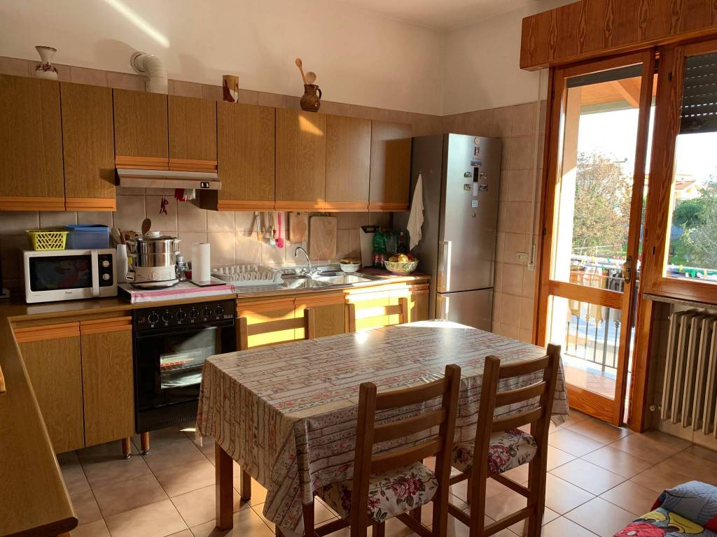 Appartamento in vendita a Riccione, 4 locali, prezzo € 300.000 | PortaleAgenzieImmobiliari.it