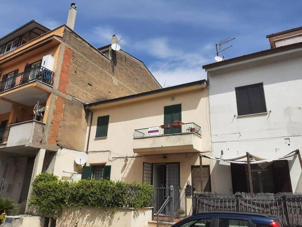 Appartamento in vendita a Riano, 2 locali, prezzo € 90.000 | CambioCasa.it