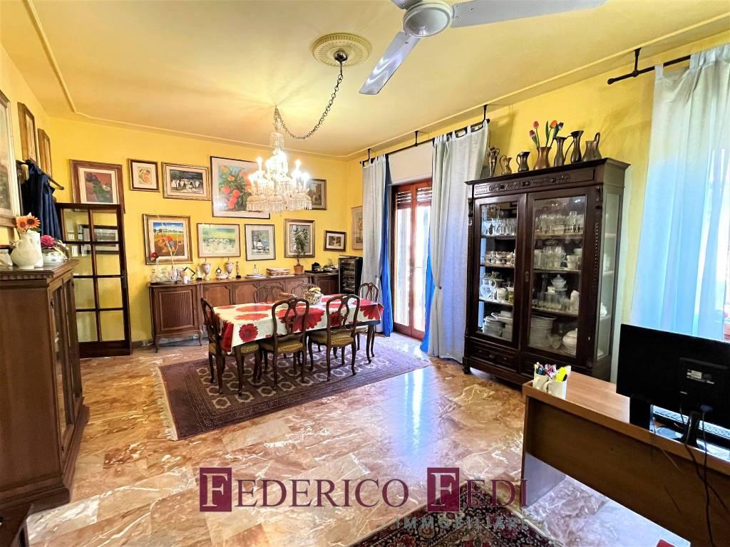 Appartamento in vendita a Prato, 5 locali, prezzo € 290.000   PortaleAgenzieImmobiliari.it