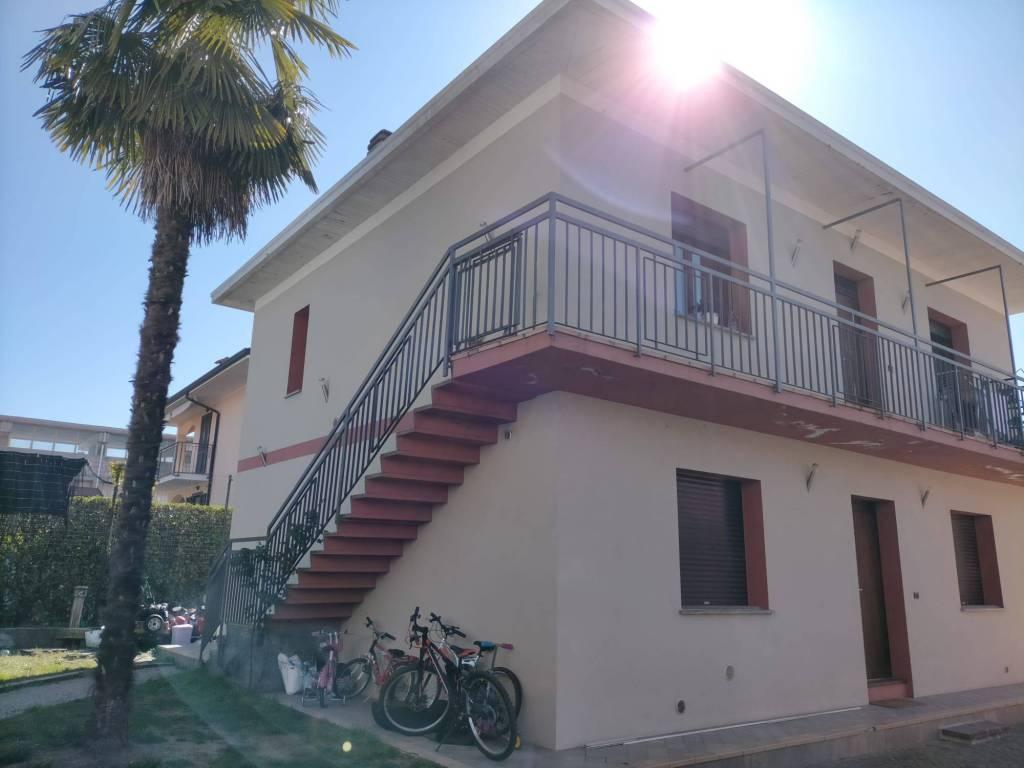 Appartamento in vendita a Varano Borghi, 6 locali, prezzo € 110.000 | PortaleAgenzieImmobiliari.it
