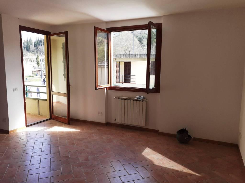 Appartamento in ottime condizioni in affitto Rif. 8338265